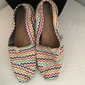 Toms shoes! Multi colored, zig zag size women 8.5